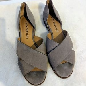 Lucky Brand Taupe Gallah Sandals Size 7